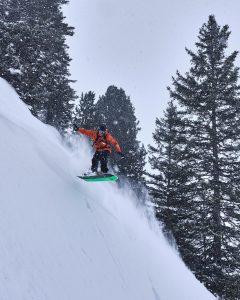 Snowboarder Powder Dream
